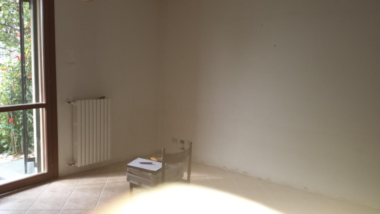 6-ristrutturazione-cucina-e-soggiorno-pavimento ...